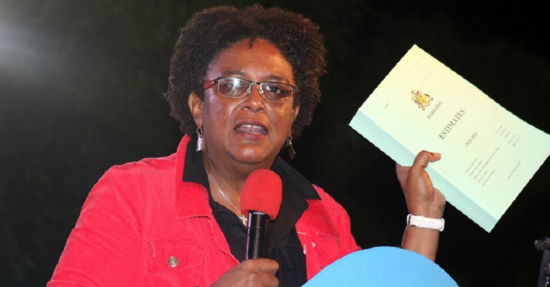 Barbados' First Female PM Wins in Convincing Fashion | Umaizi